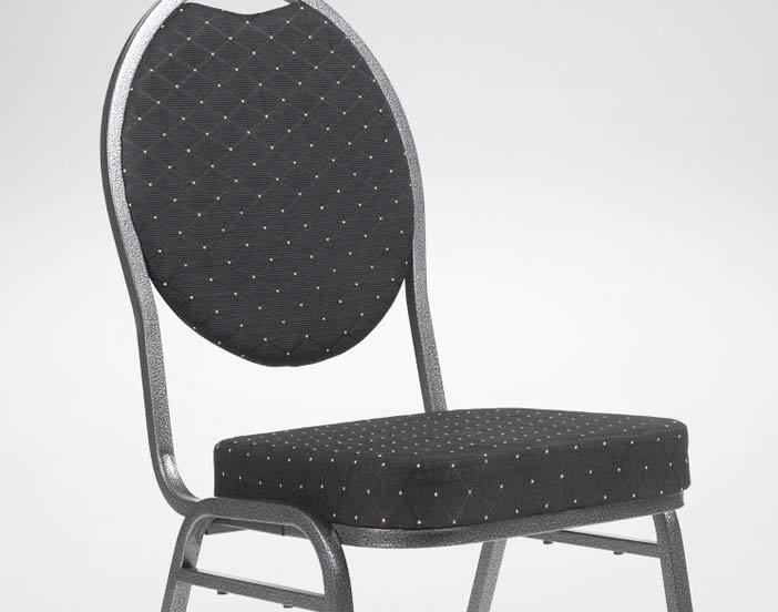 En svart konferensstol med tjock dyna för uthyrning.
